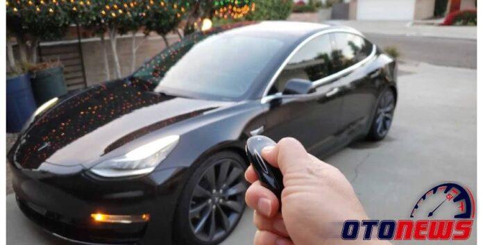 jenis dan spesifikasi Tesla